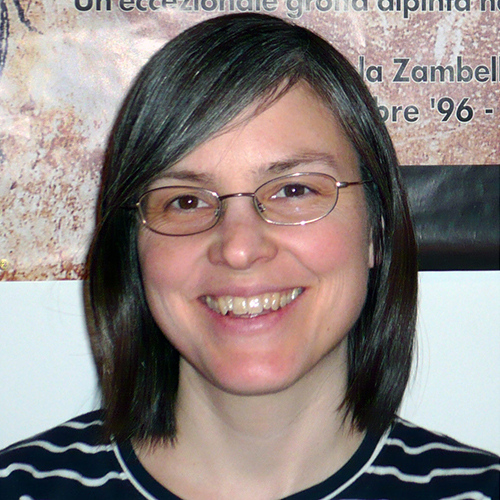 Dr. Mara-Julia Weber