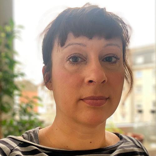 Dr. Nina Lau