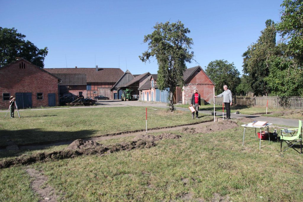 Sondagegrabung auf einer Hofstelle des Rundlingsdorfes Granstedt im Hannoverschen Wendland.