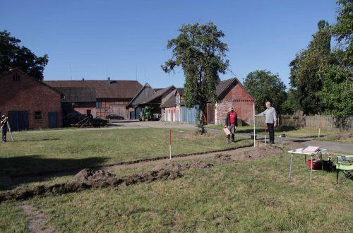 Abb. 6: Sondagegrabung in der partiellen Dorfwüstung des Rundlings Granstedt, Ldkr. Lüchow-Dannenberg (Foto: J. Schneeweiß).