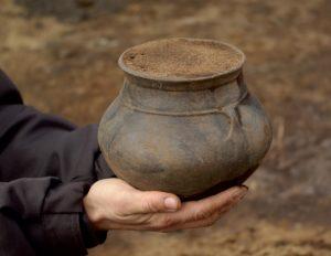Aarre urnfield_urn